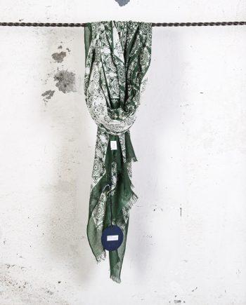 Sciarpa-disegno-cachemire-verde-CAMERUCCI